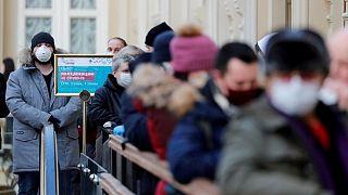 روسيا تسجل 786 وفاة بفيروس كورونا في رقم قياسي جديد