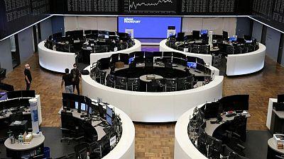 Fed boosts bonds, Delta blues stall stocks
