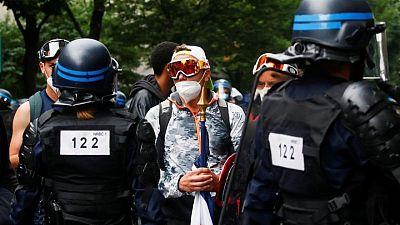 شرطة فرنسا تتصدى لاحتجاج ضد تصاريح الدخول المرتبطة بكوفيد-19
