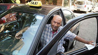 سائق لبناني: حياتنا أصبحت مُرة مثل قهوتنا العربية