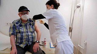 معهد: ألمانيا تسجل 1608 إصابات جديدة بفيروس كورونا