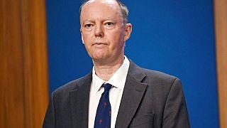 كبير الأطباء: أزمة كوفيد-19 قد تعود سريعا في إنجلترا
