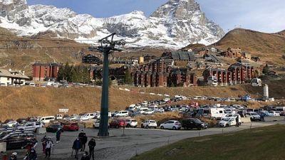 Su 30 maestri di sci positivi in 4, atteso tampone per altri