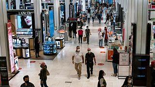 Precios al consumidor EEUU se frenan en agosto, inflación habría tocado techo