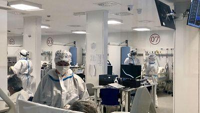 Quasi 3 mila casi, 11 morti. In rianimazione 8 pazienti in più