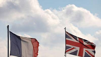 UK to keep quarantine rules for travellers from France