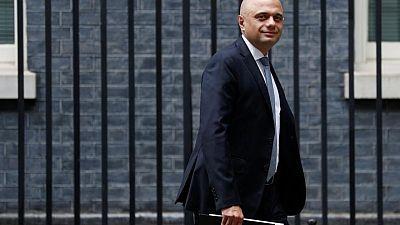 إصابة وزير الصحة البريطاني بكوفيد-19