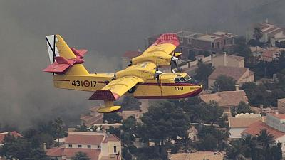 Un incendio forestal en la Costa Brava española obliga a cientos a abandonar sus hogares