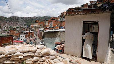 """""""El gobierno pierde terreno"""", dicen en barriada sobre la expansión de las pandillas en Caracas"""