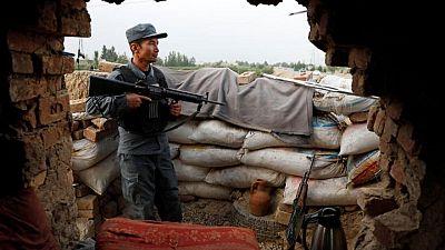 Misiones extranjeras en Afganistán piden un alto el fuego a los talibanes