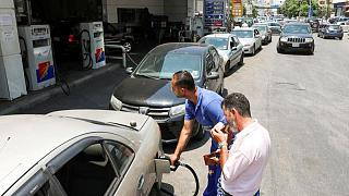 لبنان يسمح للصناعيين بالاستيراد المباشر للمازوت وسط عجز
