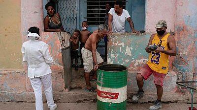 Cuba, golpeada por el descontento, lidia con la tasa de infecciones COVID-19 más alta en América
