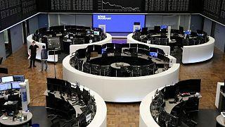 معول الفيروس يضرب الأسهم الأوروبية في أسوأ جلسة لها هذا العام