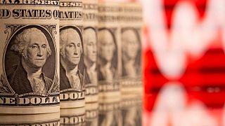 El dólar se mantiene estable antes de reporte de empleo en EEUU