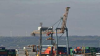 Reino Unido exige nuevo acuerdo sobre comercio post-Brexit para Irlanda del Norte