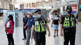 بريطانيا تسجل 44104 إصابات جديدة بكورونا و73 وفاة