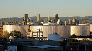 النفط يرتفع ما يزيد عن 4% رغم ارتفاع المخزونات الأمريكية