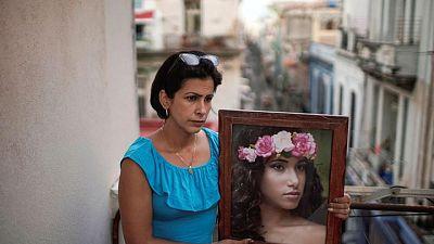 Manifestantes en Cuba comienzan a enfrentar sentencias, pero algunas familias siguen sin tener noticias