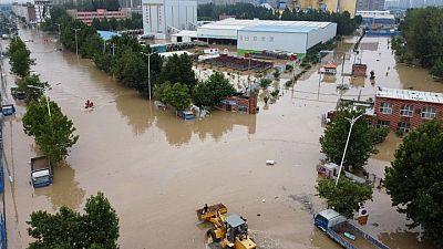Las inundaciones chinas afectan cadenas de suministro, desde el carbón a los automóviles