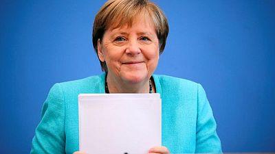 ميركل تشيد بتركيا لاستضافة اللاجئين لكنها لا تتوقع انضمامها للاتحاد الأوروبي