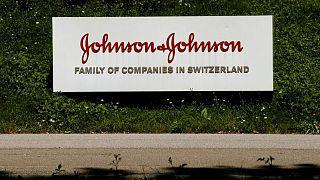 أفريقيا تبدأ استلام 400 مليون جرعة من لقاح جونسون أند جونسون الأسبوع المقبل