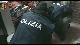 Polizia arresta cartomante a Cosenza per estorsione