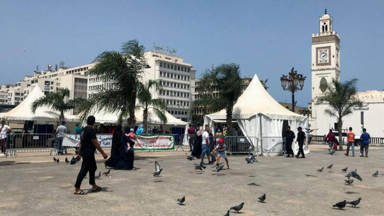 Algeria Reimposes Restrictions On Gatherings To Stem Coronavirus Cases Euronews