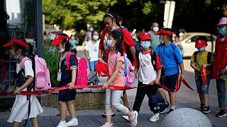 Las empresas de educación privada chinas se preparan para nuevas normas, las acciones se hunden