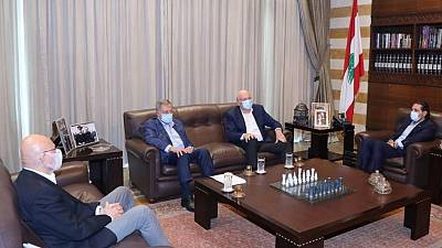 Lebanese president meets businessman Mikati, set to be designated premier