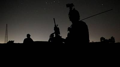 Soldados afganos buscan refugio en Pakistán tras perder puestos militares fronterizos