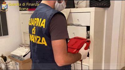 Operazione Gdf, sequestrati 16mila articoli contraffatti