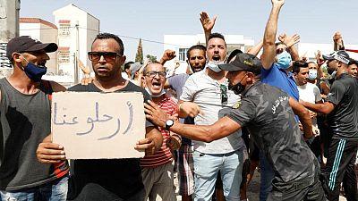 Islamistas intentan aliviar tensiones en Túnez, sindicatos exigen hoja de ruta