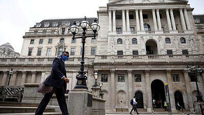BoE set to keep full-speed stimulus despite split over inflation risk