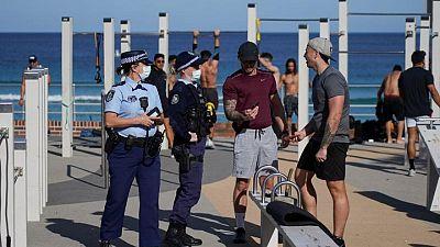 Sídney añade cuatro semanas de confinamiento al aumentar los casos de COVID-19 en Australia