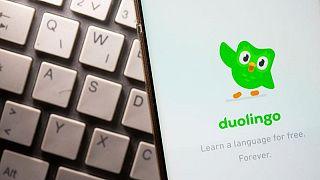 Acciones de Duolingo se disparan un 39% en debut en bolsa, valoración llega a 6.500 millones de dólares