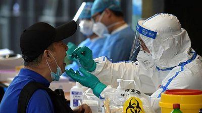 China registra 64 nuevos casos de COVID-19 por el brote de delta en Nanjing