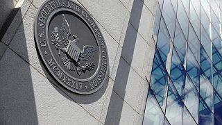 EXCLUSIVA-Regulador EEUU congela OPI de firmas chinas mientras prepara guías sobre riesgos: fuentes