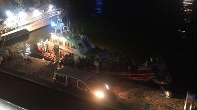 Soccorse da guardia costiera, senza casa ospitati in Palasport