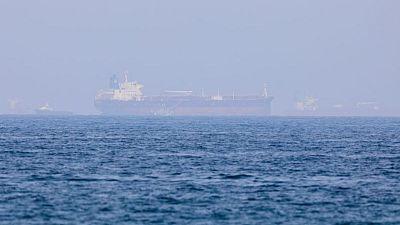 Fuerzas con supuesto apoyo iraní secuestran tanquero en Mar Arábigo: fuentes marítimas