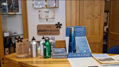 Stop a monouso, prodotti riutilizzabili e packaging compostabili