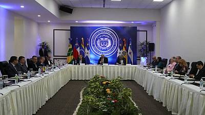 Gobierno y oposición de Venezuela comenzarían diálogo el 13 de agosto en México: fuentes