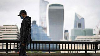 بريطانيا تسجل 40701 إصابة جديدة بكورونا في أعلى حصيلة يومية في شهر
