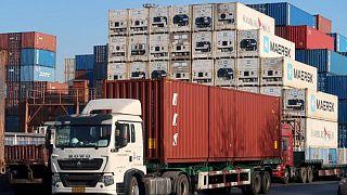 Ralentización de las exportaciones chinas en julio puede ser una señal de más baches