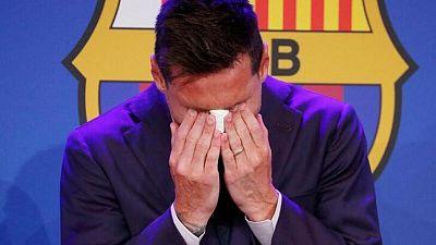 Messi se despide del Barcelona entre lágrimas, dice que negocia con el PSG