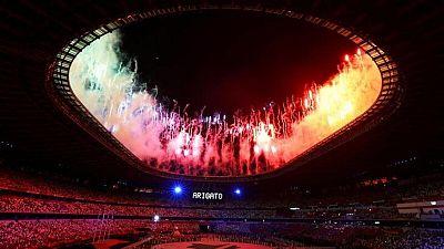 Tokio clausura los Juegos y le entrega la bandera olímpica a París 2024