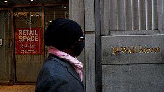 S&P 500 y Dow Jones retroceden en la apertura, presionados por desplome del crudo