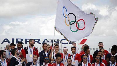 París ondea la bandera olímpica y mira más allá del COVID para los JJOO de 2024