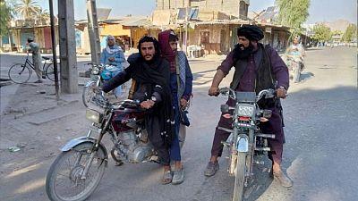 Los talibanes toman la ciudad de Ghazni de camino a la capital afgana