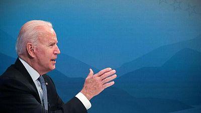 Biden instará al Congreso a reducir costos de medicamentos con receta