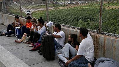 Corte EEUU ordena a Biden restablecer política migratoria de Trump en frontera con México